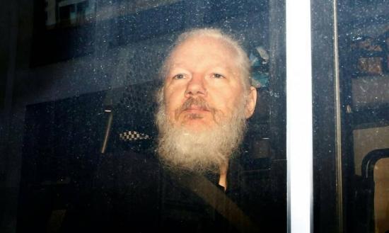 Estados Unidos solicita formalmente la extradición de Julian Assange