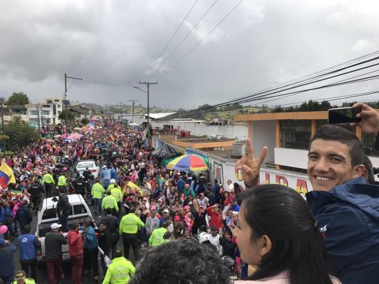 Richard Carapaz llegó a Tulcán para recibir un homenaje en el estadio Olímpico de su ciudad