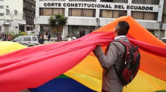 La Corte Constitucional da paso al matrimonio civil igualitario en Ecuador