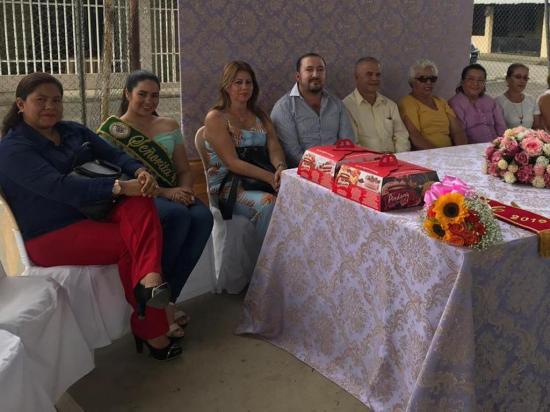 Adultos y personas con discapacidad  celebran Día del Padre