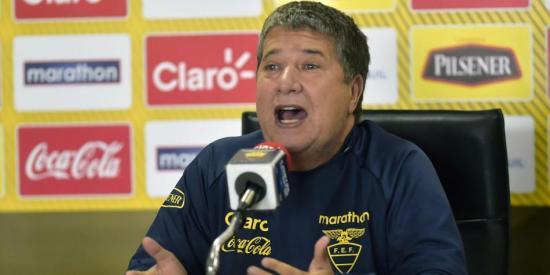 'Bolillo' Gómez, ''como Shakira'' ante las críticas a la Tri