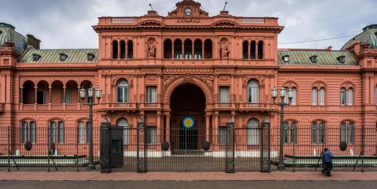 Detienen a un joven que quiso entrar por la fuerza a la Casa Rosada argentina