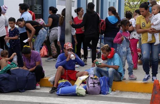 Ecuador activa plan ante posible crisis humanitaria por migrantes venezolanos
