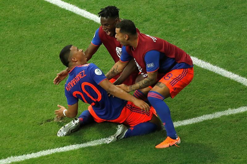 Con goles de Martínez y Zapata, Colombia derrotó a la Argentina de Messi