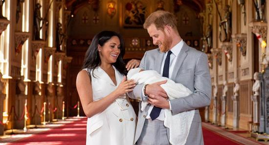 El príncipe Enrique y Meghan cuelgan una foto de su bebé en el Día del Padre