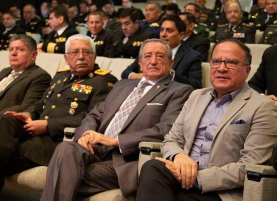 No se construirá una base militar en Galápagos, aclara el ministro Oswaldo Jarrín