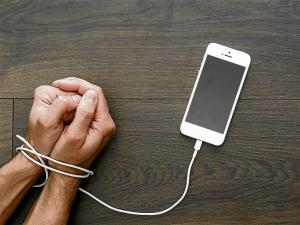 Cuídate de la tecnología