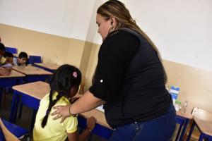 Al menos 30 niños con síntomas de intoxicación en escuela de Portoviejo