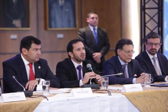 Ecuador tiene 22 imputados por corrupción y 15 prófugos de la justicia