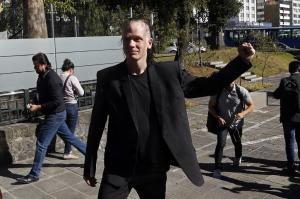 Suspenden audiencia de Ola Bino prevista para mañana en Quito