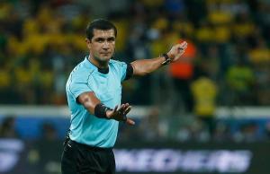 El ecuatoriano Roddy Zambrano pitará el superclásico entre Brasil y Argentina