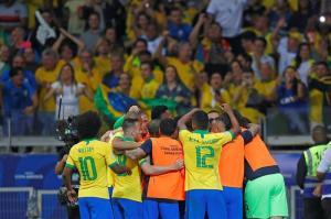Día libre para la selección brasileña antes de viajar a Río para la final