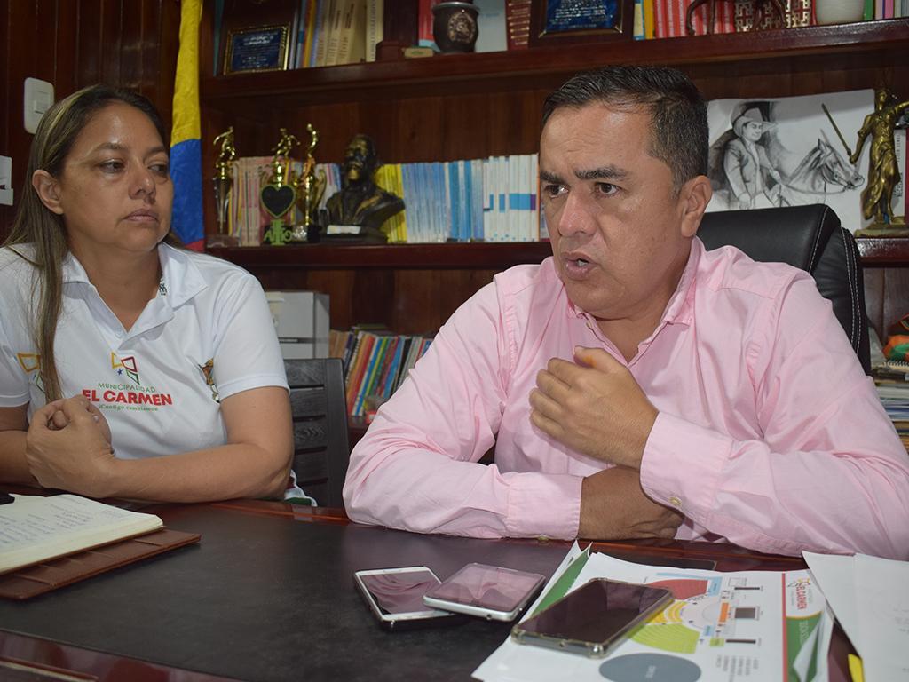Rodrigo Mena, alcalde de El Carmen, a audiencia por mal uso de bienes públicos