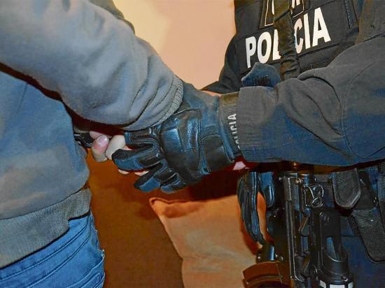 Detenido por robar en casa