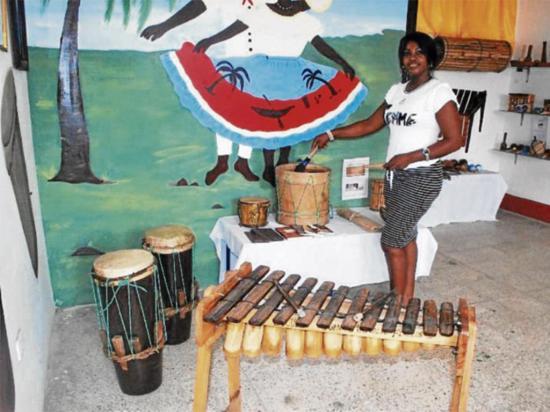 Difunden la cultura afro