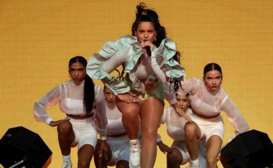 La cantante Rosalía enmudece a 40.000 personas en la apertura de Mad Cool 2019