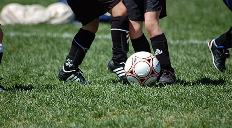 La FIFA pone en marcha plan para proteger a los niños de abusos en el fútbol