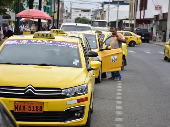 Taxistas se movilizarán por incumplimiento en pago de compensaciones