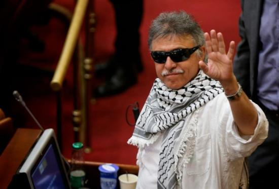 Colombia ofrece millonaria recompensa por información sobre el exlíder de las FARC ''Jesús Santrich''