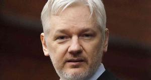 Assange no será extraditado a país con pena capital, dice ministro británico