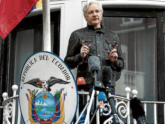 Julian Assange utilizó la embajada de Ecuador como base