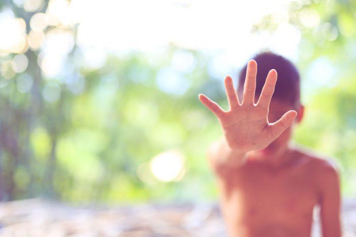 Alarma en Colombia por niño de 7 años presuntamente abusado por seis menores