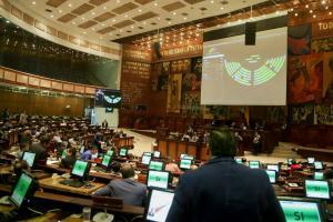 Reforma que permite mostrar rostro de delincuentes en delito flagrante pasa primer debate
