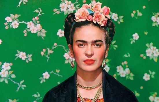 Lanzan polémica línea de maquillaje inspirada en Frida Kahlo