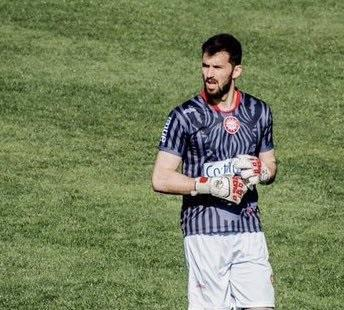 Diego Torres vuelve a defender el arco de Liga (P)