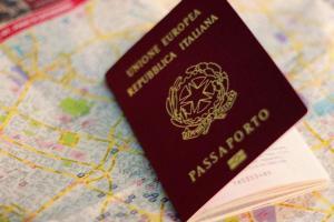 Más de 825.000 personas lograron la ciudadanía de un país de la UE en 2017
