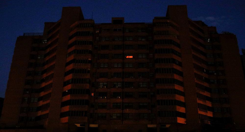 Venezuela registra intermitencias en la recuperación del suministro eléctrico