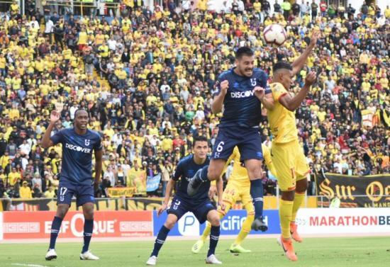 Universidad Católica venció a Barcelona en el estadio Olímpico Atahualpa por 2-1