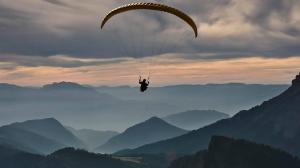 Muere un ''youtuber'' español al intentar grabarse saltando en paracaídas