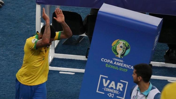 La Conmebol suspende por dos meses al brasileño Gabriel Jesus