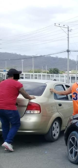 Detiene a hombre acusado de robar cabezote de carro en Portoviejo