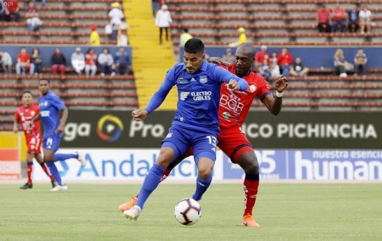 Emelec no se repone y cae en su visita a El Nacional (1-0)