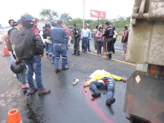 Hombre muere en accidente de transito en la vía Portoviejo-Manta
