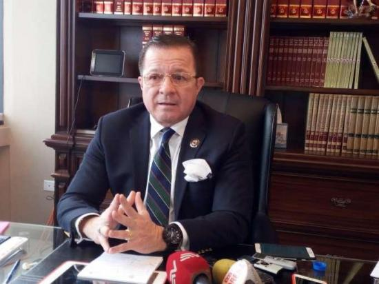 Asambleísta alterno denuncia a José Serrano por tener un 'plan' para asesinarlo