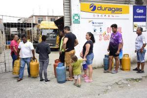 La escasez de gas es por 'nerviosismo', dice el Gobernador de Manabí