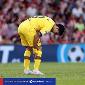 El FC Barcelona confirma la lesión de Luis Suárez en el sóleo de la pierna derecha