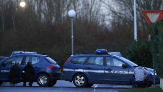 Detienen a francés que tenía el cadáver de su mujer en el maletero de su carro