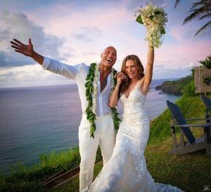 Dwayne 'La Roca' Johnson se casa en una ceremonia secreta en Hawái