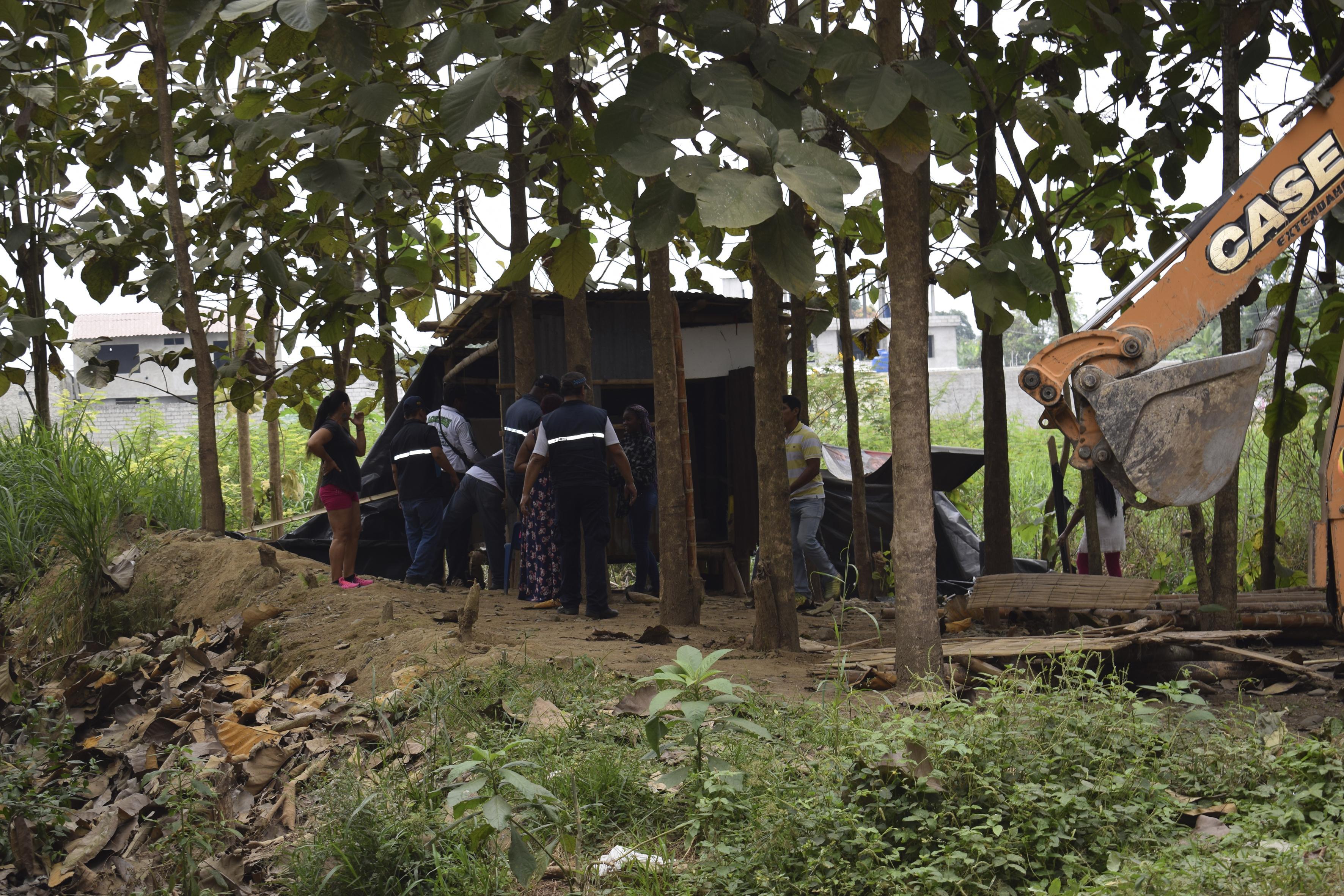 100 familias desalojadas