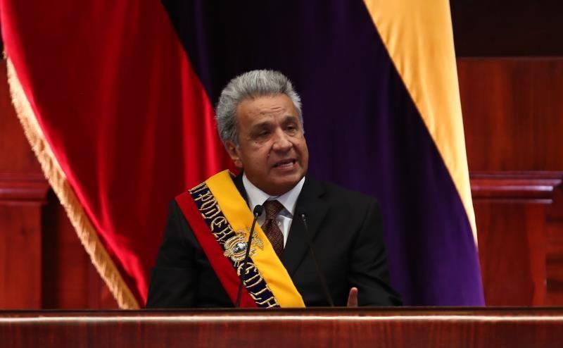 Presidente de Ecuador ofrece ayuda a Brasil para lucha contra incendios