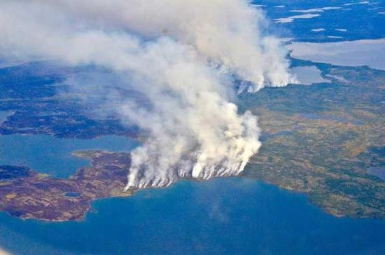 El humo cubre la Amazonía y pone a Bolsonaro contra las potencias europeas