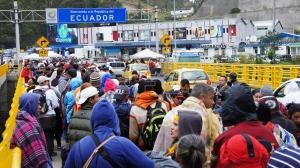 Cerca de 7.000 venezolanos llegan a frontera de Ecuador y Colombia