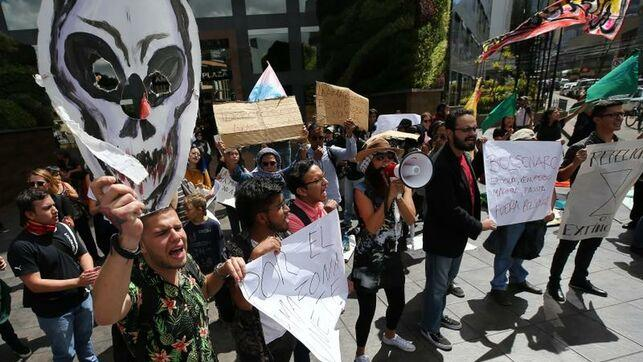 Ecologistas ecuatorianos se manifiestan ante embajada de Brasil en Quito