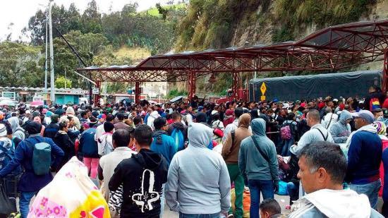 Ecuador exige visa humanitaria a migrantes venezolanos a partir de medianoche