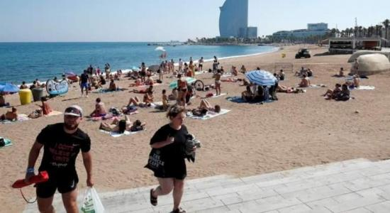 Cierran una playa en Barcelona al encontrar una bomba de la Guerra Civil