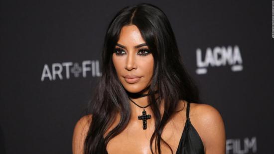 Kim Kardashian se derrumba al dar positivo en lupus en un test médico